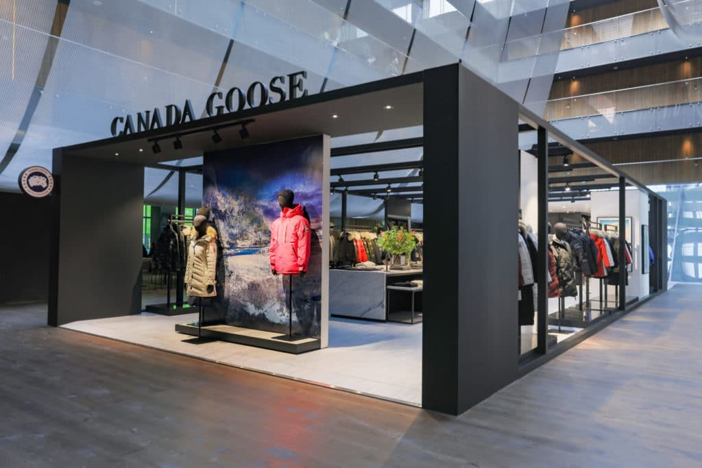 Pop-up stores shipping containers